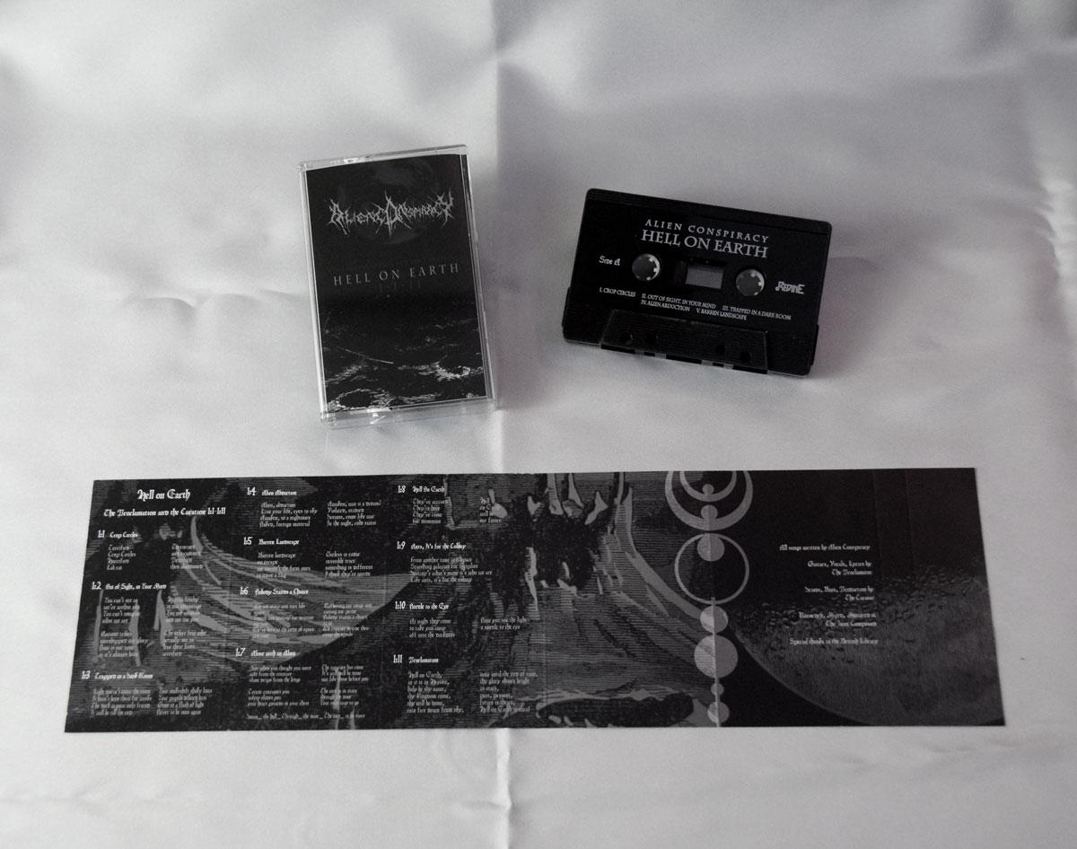 Hell-on-Earth-Cassette-02